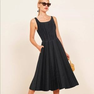 Vintage Pleated Summer Dress Reformation style